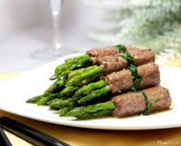 Bò cuộn măng tây